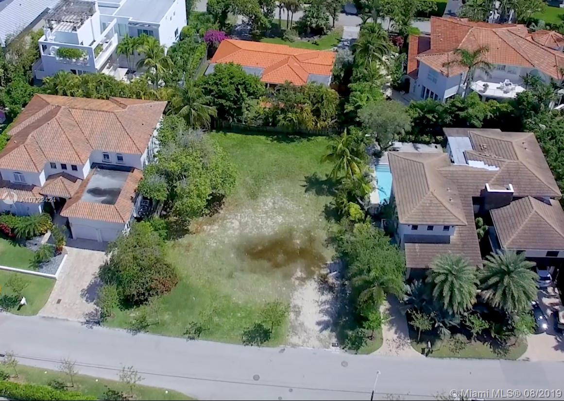 252  Westwood Dr  For Sale A10722424, FL