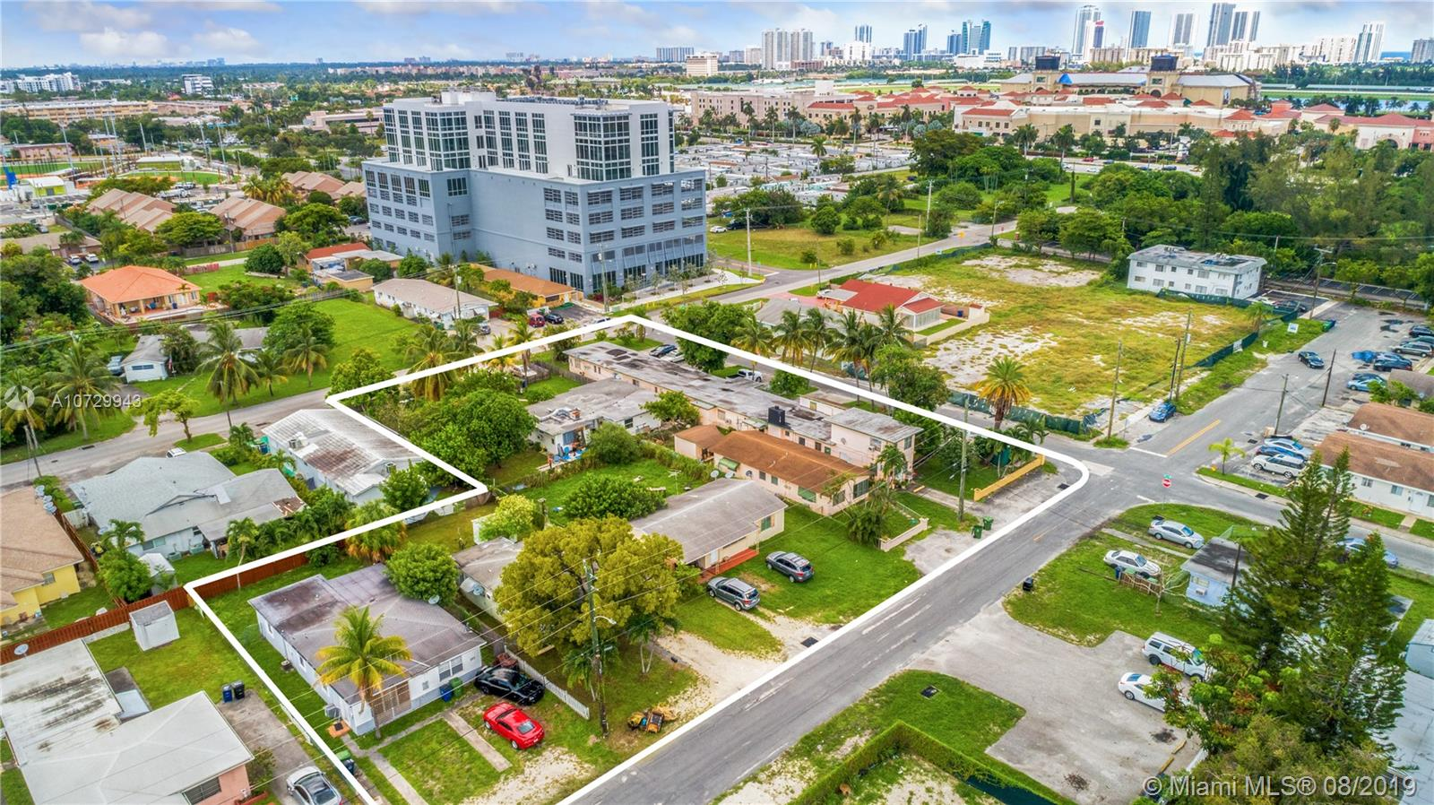 228 SE 9 ST #1-8 For Sale A10729943, FL