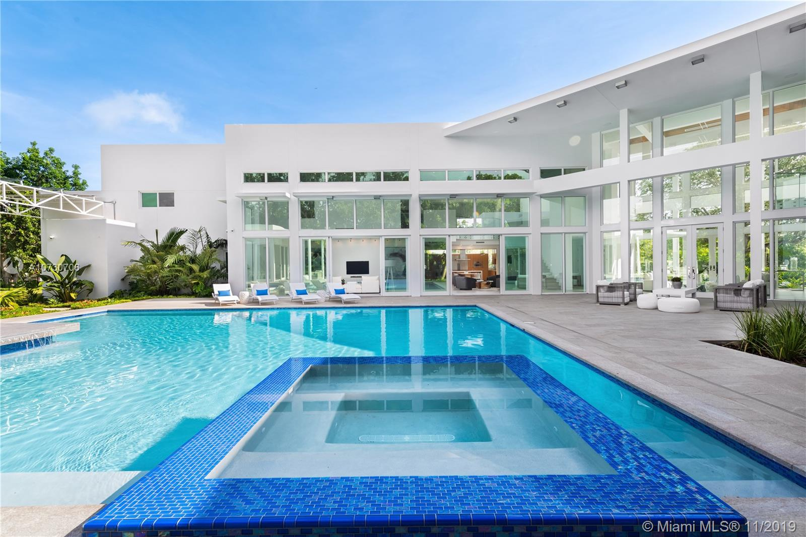 11600 SW 60th Ave  For Sale A10730706, FL