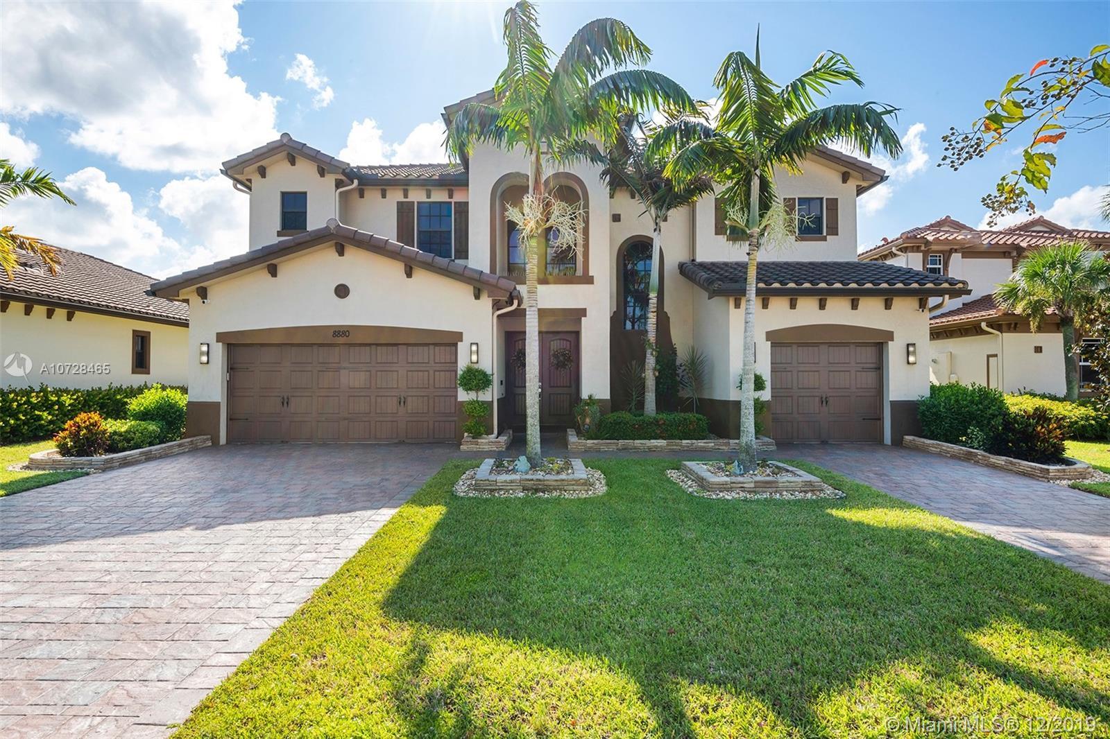 8880 Edgewater Pl, Parkland, FL 33076