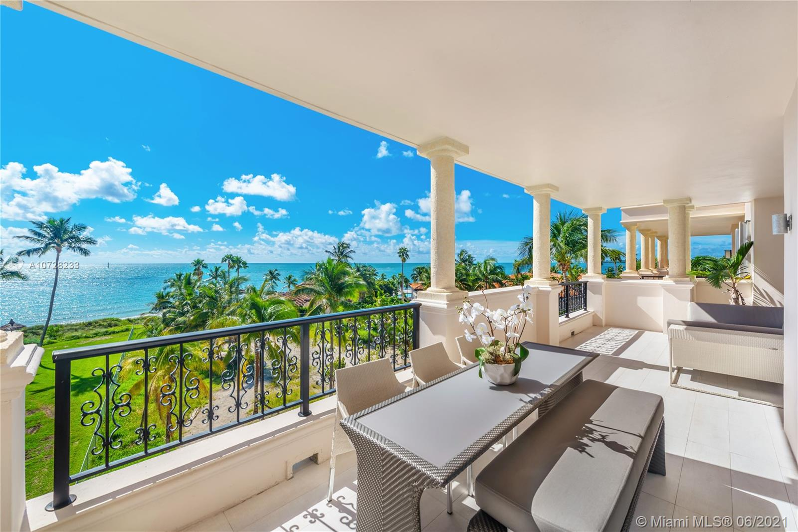 19243  Fisher Island Dr #19243 For Sale A10728233, FL