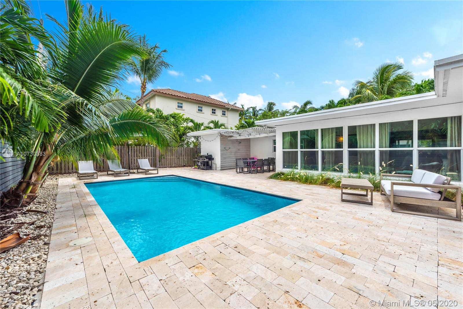 345 W Enid Dr  For Sale A10730383, FL