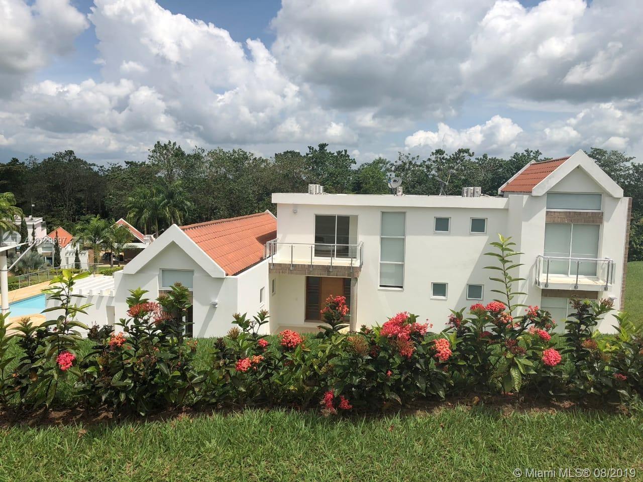 Club del Llano Casa #34  For Sale A10729697, FL