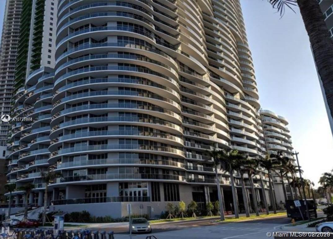 NEW CONSTRUCTION! Stunning, direct views of Biscayne Bay and the magnificent Miami and Miami Beach skyline! 3 BEDs /3.5 BATHS . DECORATION AND FURNITURE INCLUDED TV AND MORE.