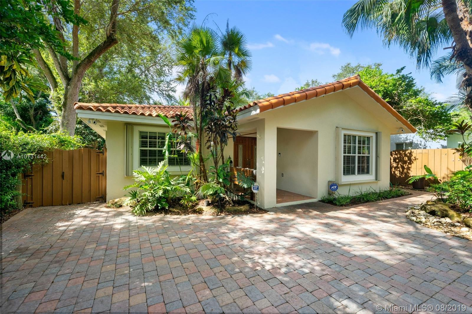 6840 SW 77th Ter  For Sale A10731442, FL