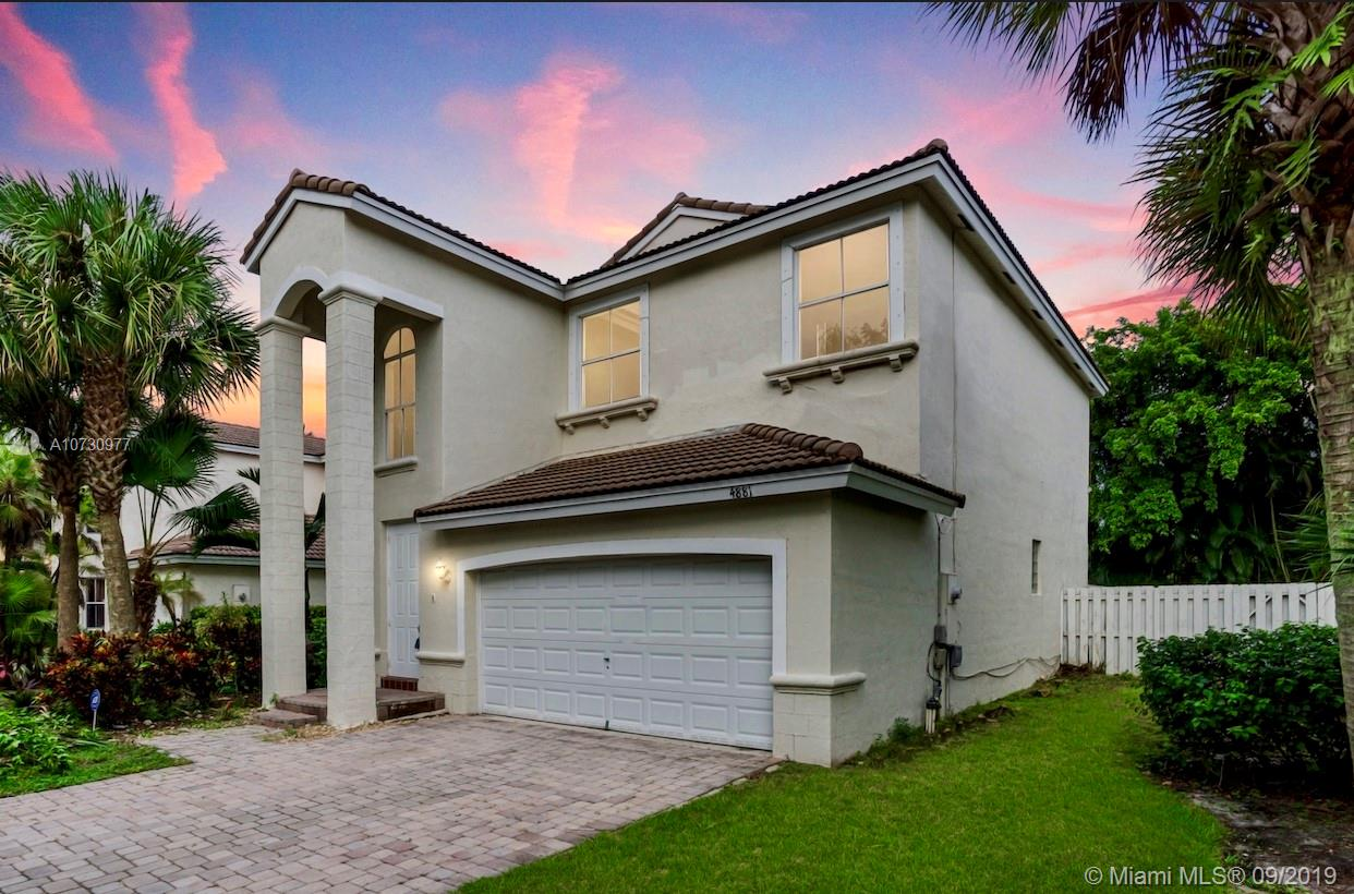 4881 SW 35th Ter  For Sale A10730977, FL