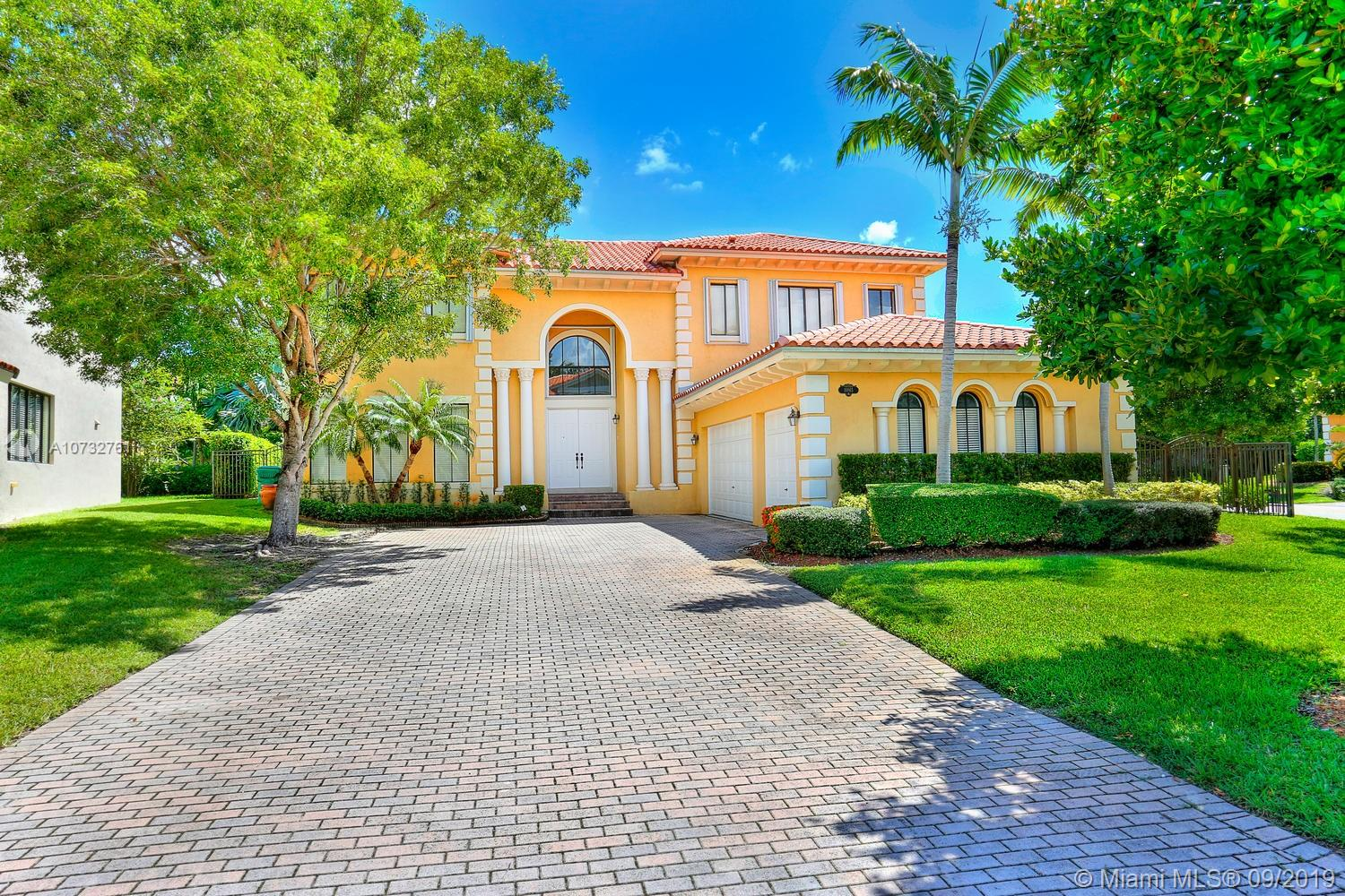 18865 SW 76th Ct  For Sale A10732761, FL