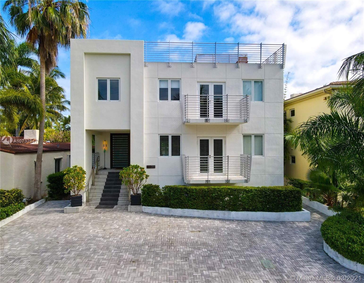 215  Palm Ave  For Sale A10732847, FL