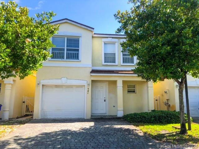 981 SW 15th St  For Sale A10733779, FL