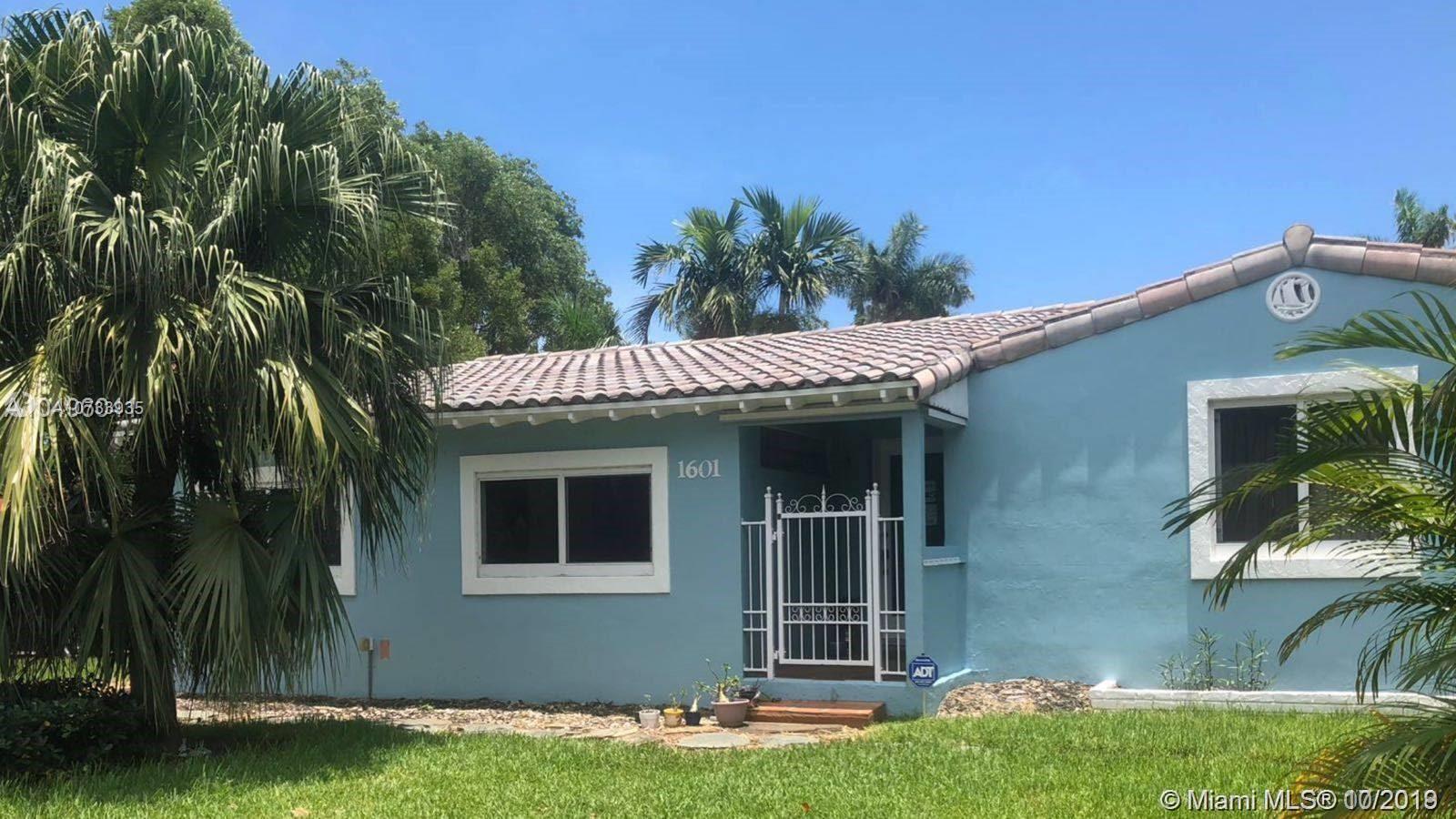 1601 S 16th Avenue  For Sale A10733935, FL