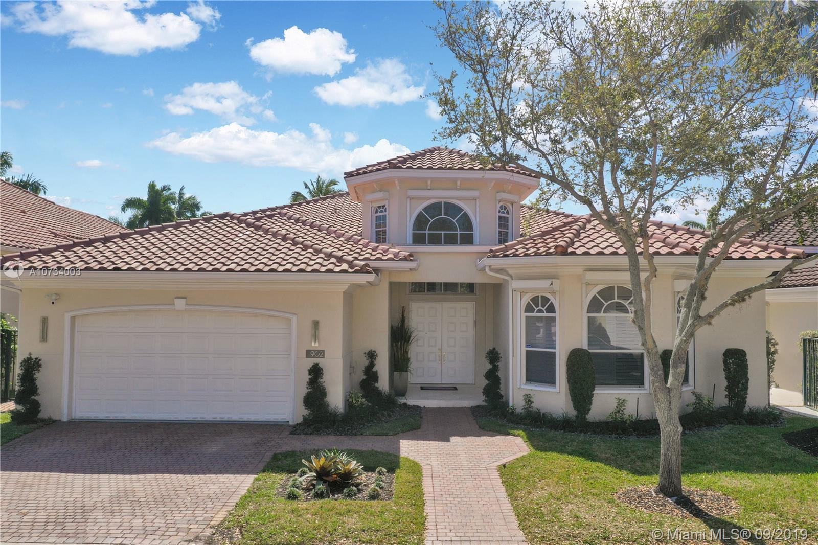 902  Captiva Dr  For Sale A10734003, FL