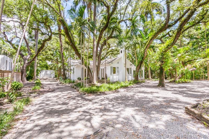 2925  Seminole St  For Sale A10733853, FL