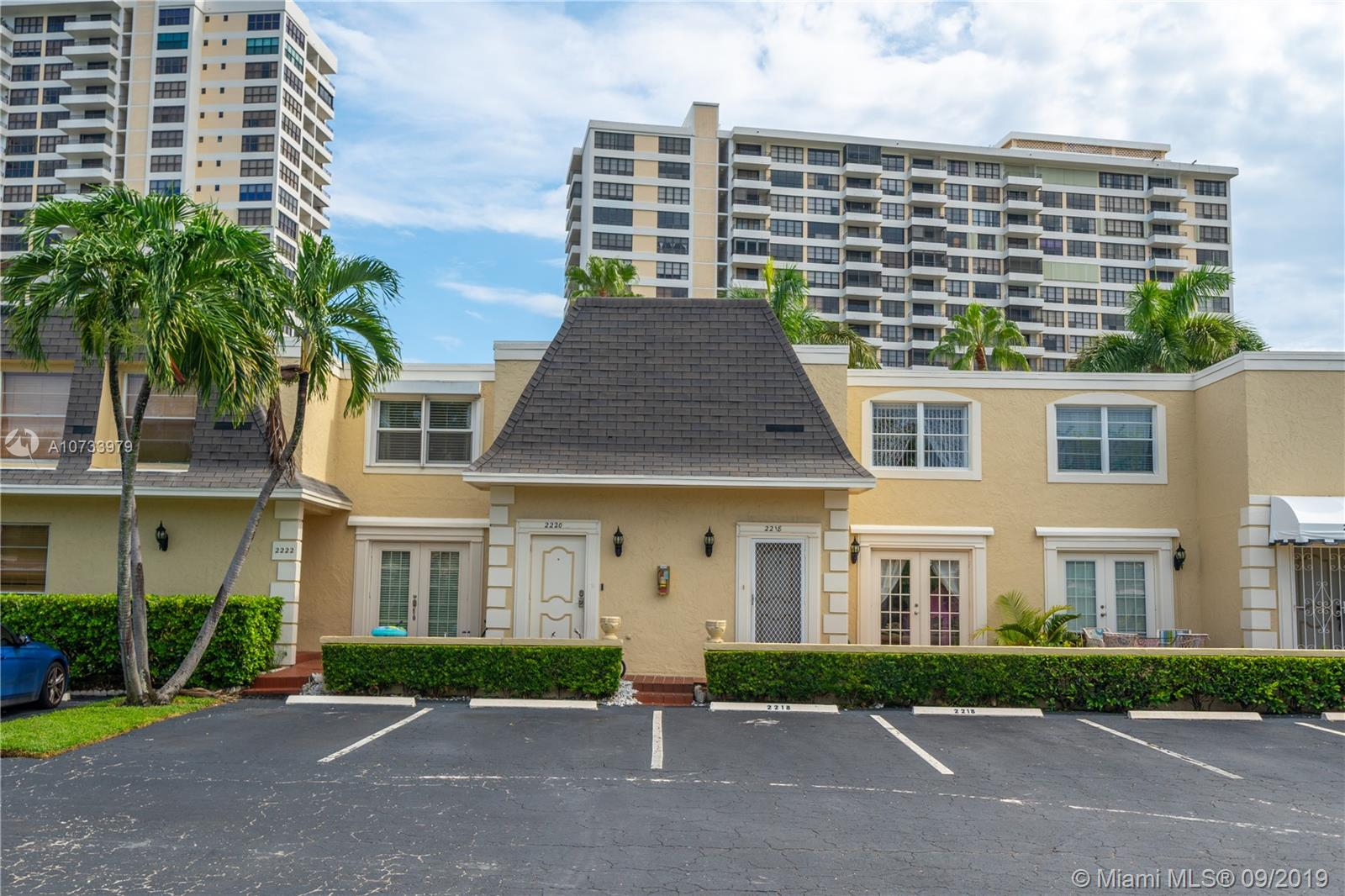 2218 NE 7th St #10 For Sale A10733979, FL