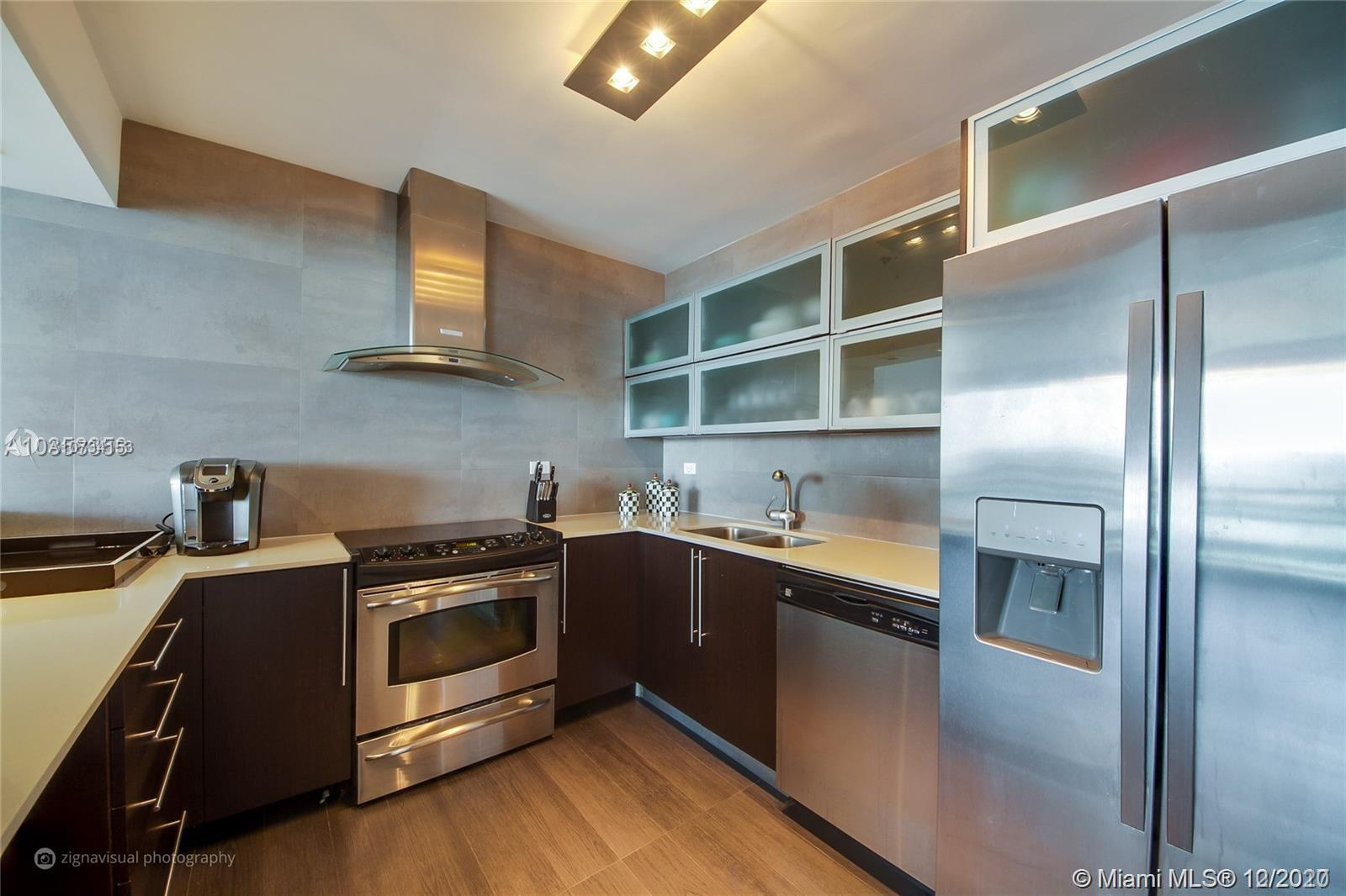 1500  Bay Rd #1114S For Sale A10734153, FL