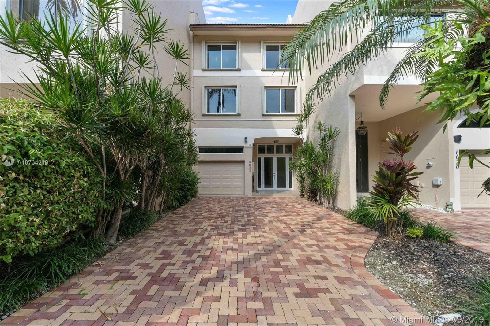 6022  Paradise Point Dr #. For Sale A10734219, FL