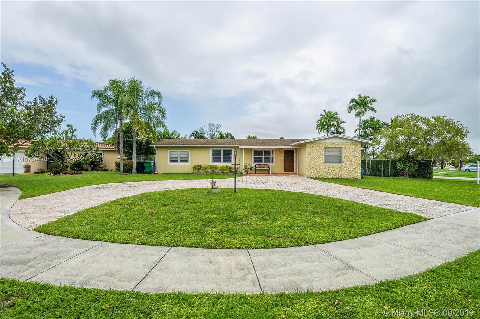 13301 SW 71st St  For Sale A10734470, FL