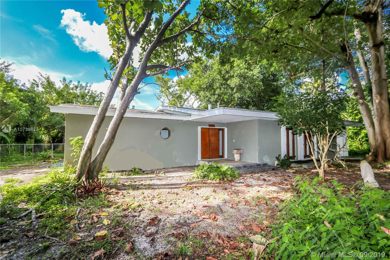 18490 SW 83rd Ct  For Sale A10730428, FL