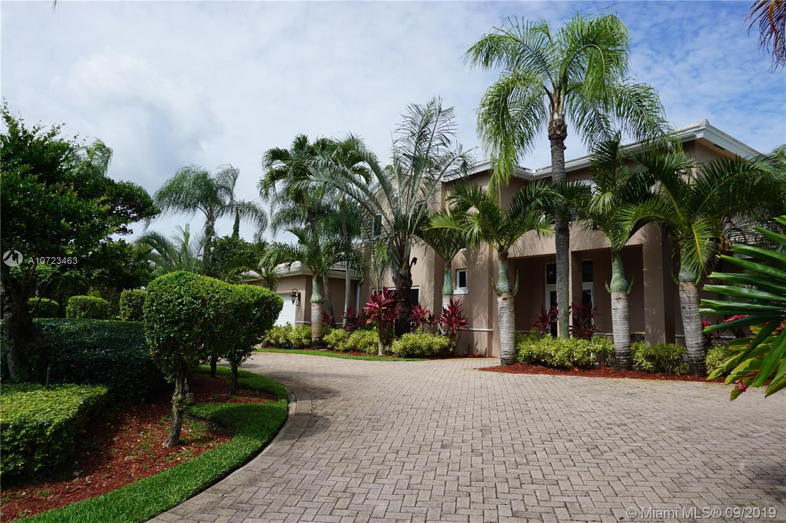14480 SW 75th Ave  For Sale A10723463, FL