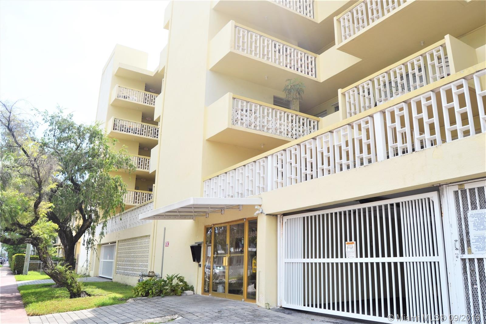 1030  9St #504 For Sale A10734676, FL