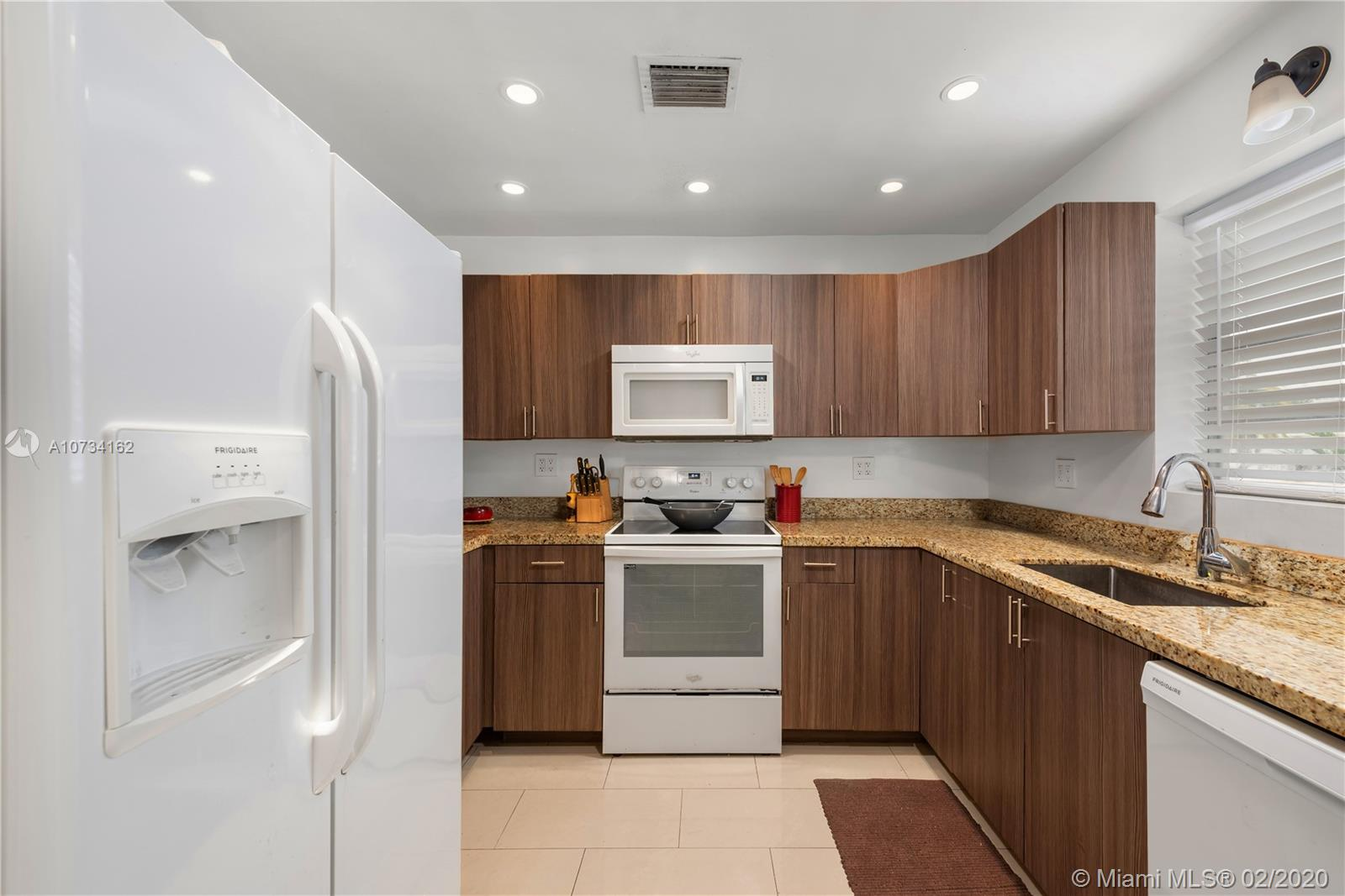 750  Michigan Ave #303 For Sale A10734162, FL