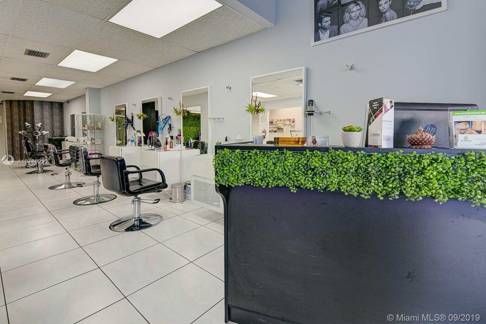 Beauty Salon  By FIU II