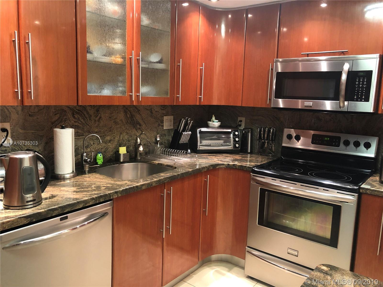 210  174th St #1103 For Sale A10735303, FL