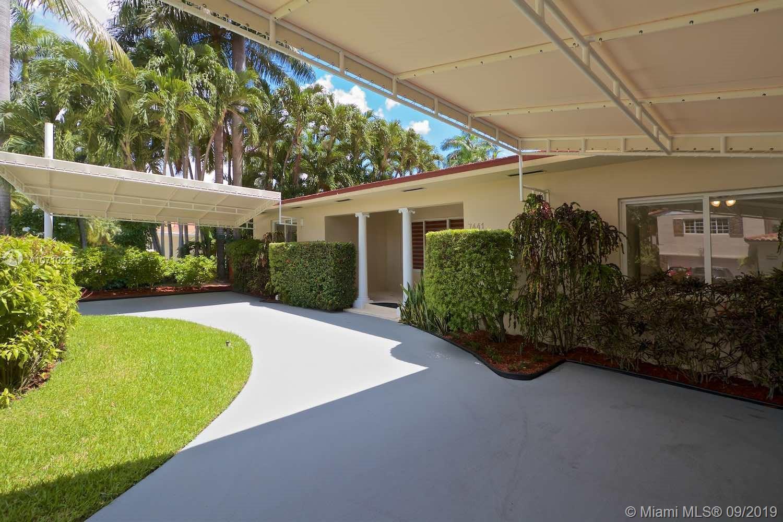7441  Center Bay Dr  For Sale A10710222, FL