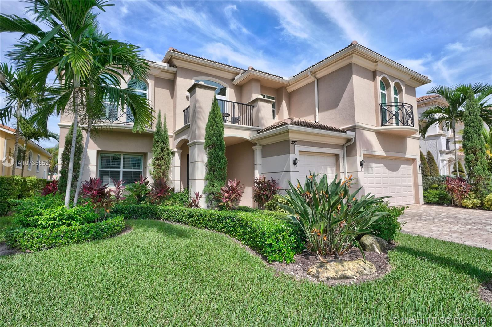 327 Charroux Dr, Palm Beach Gardens, FL 33410