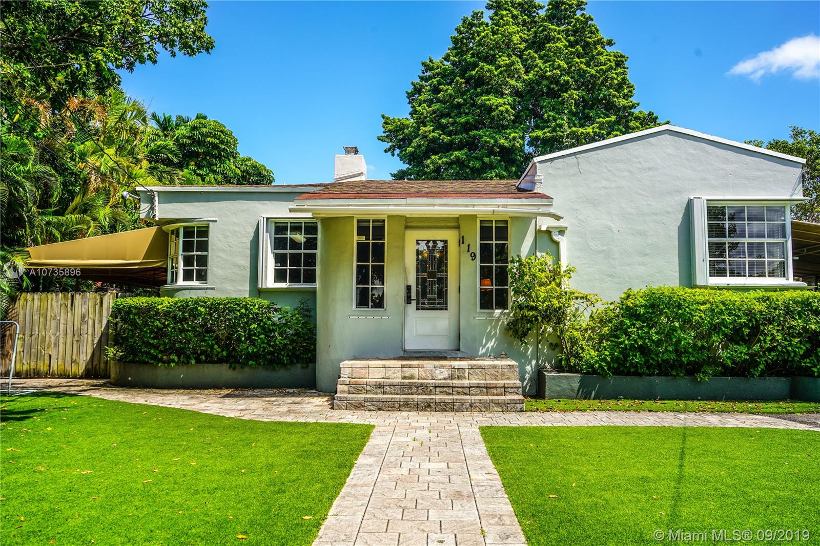 119 S W 32ND RD  For Sale A10735896, FL