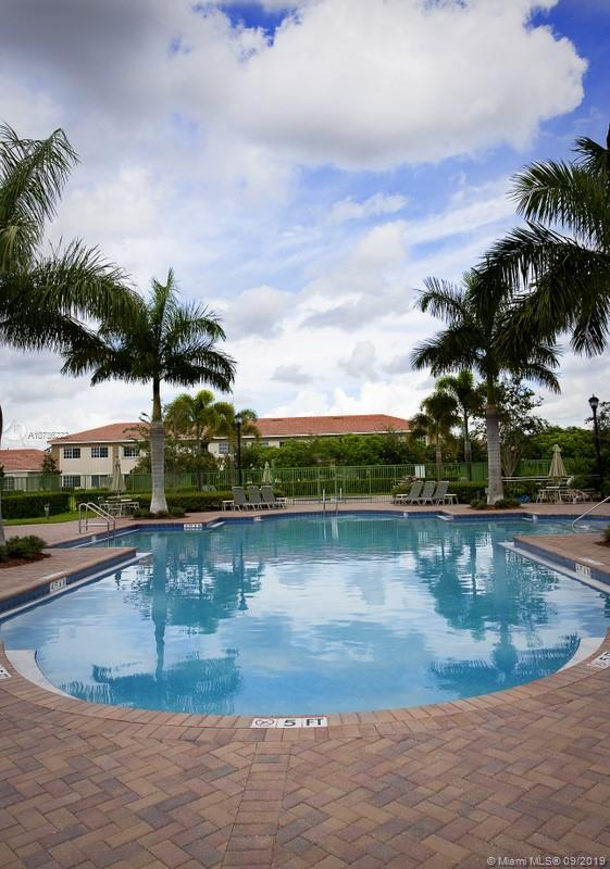 677 Heritage Grande 203, Boynton Beach, FL 33437