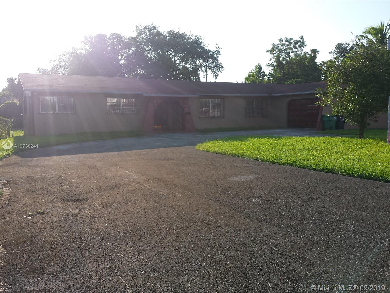 4901 SW 68 AVE  For Sale A10736241, FL