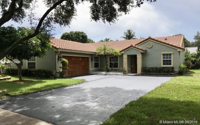 4493 NW 64th street, Coconut Creek, FL 33073