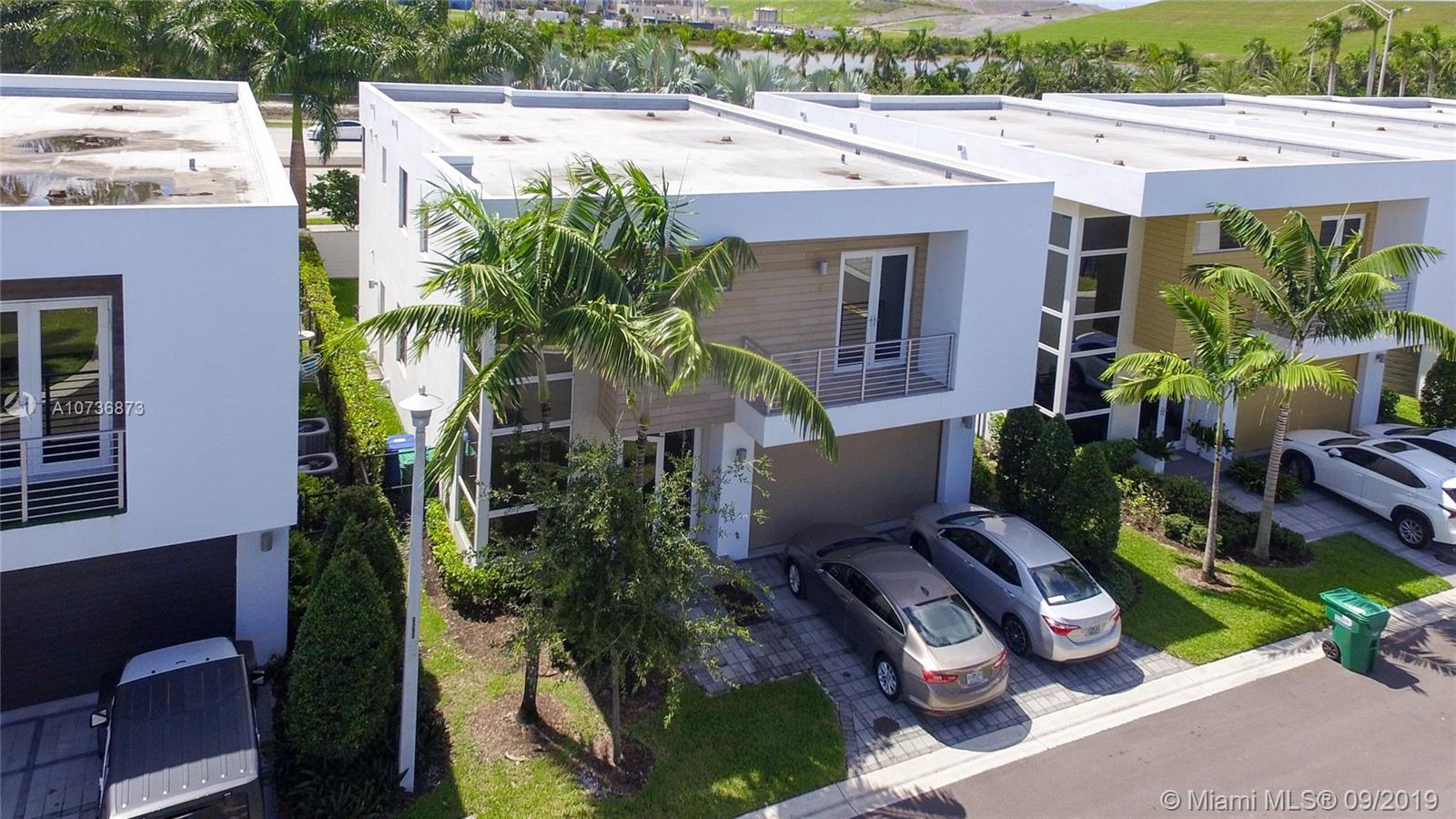 9740 NW 74th Ter  For Sale A10736873, FL