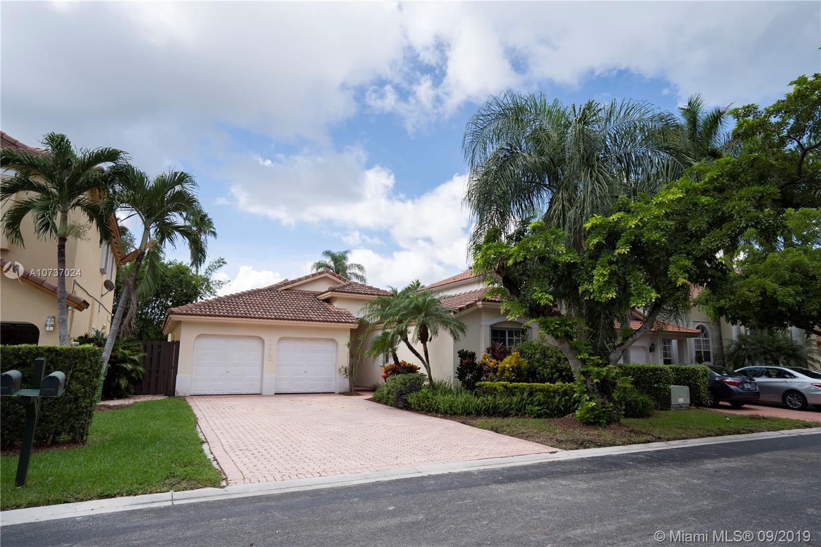 10948 NW 58th Ter  For Sale A10737024, FL