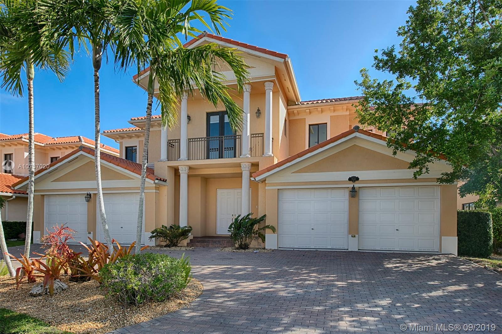 7840 SW 195th Ter  For Sale A10737020, FL