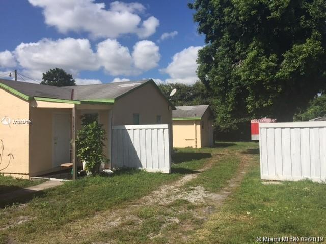 5745  Garfield St  For Sale A10737129, FL
