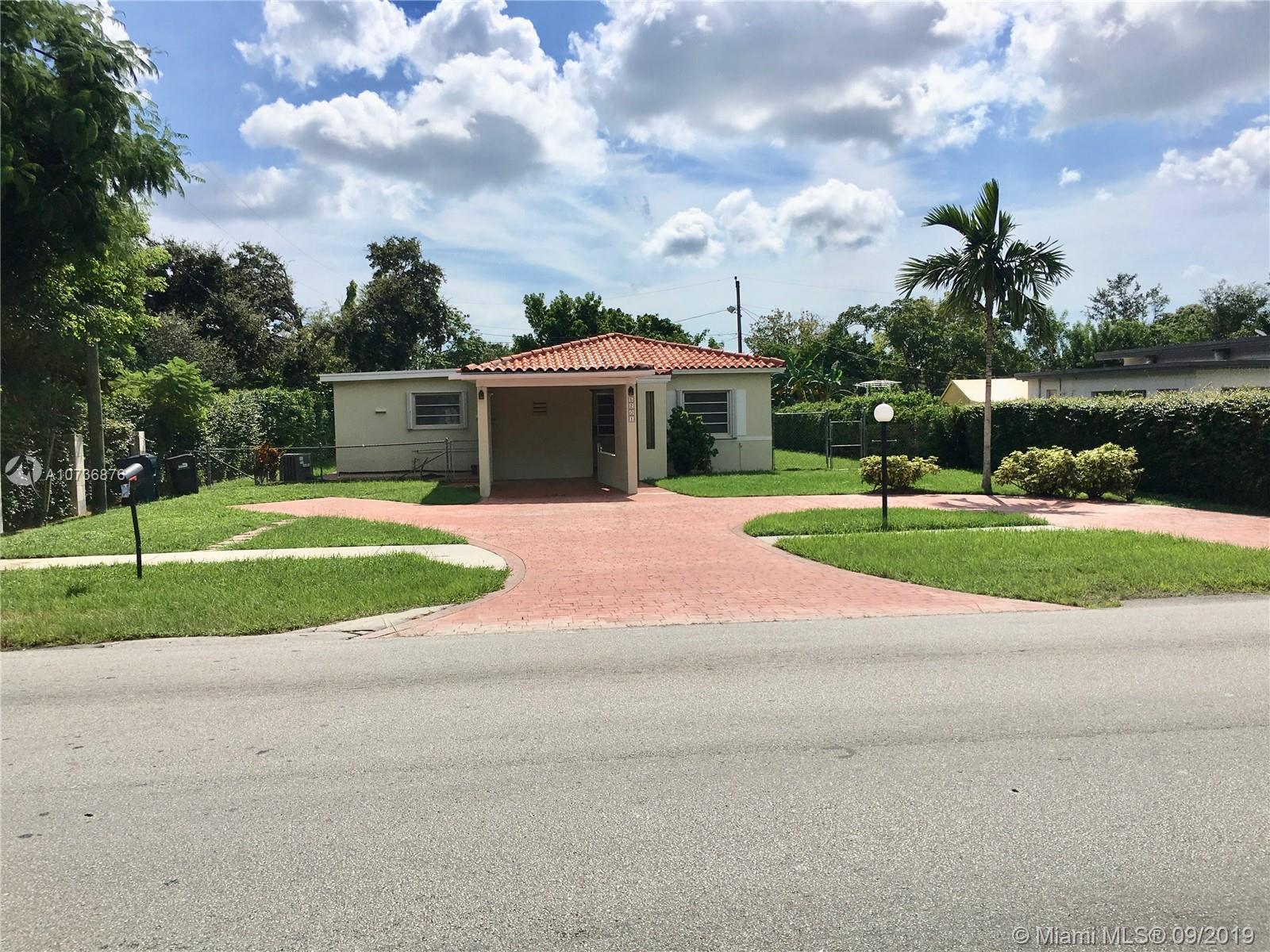 5201 SW 67th Ave  For Sale A10736876, FL