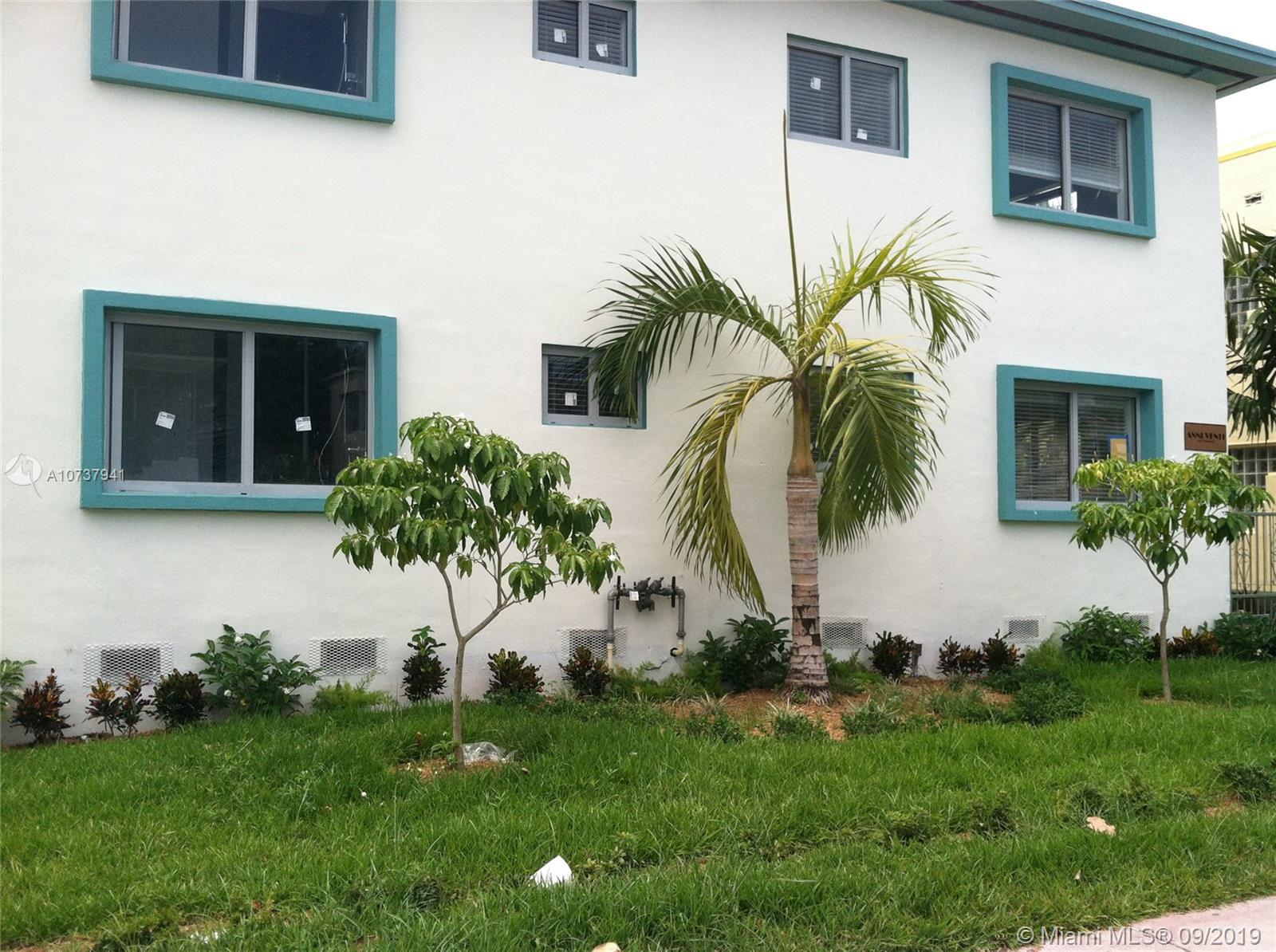 820  15th St #103 For Sale A10737941, FL