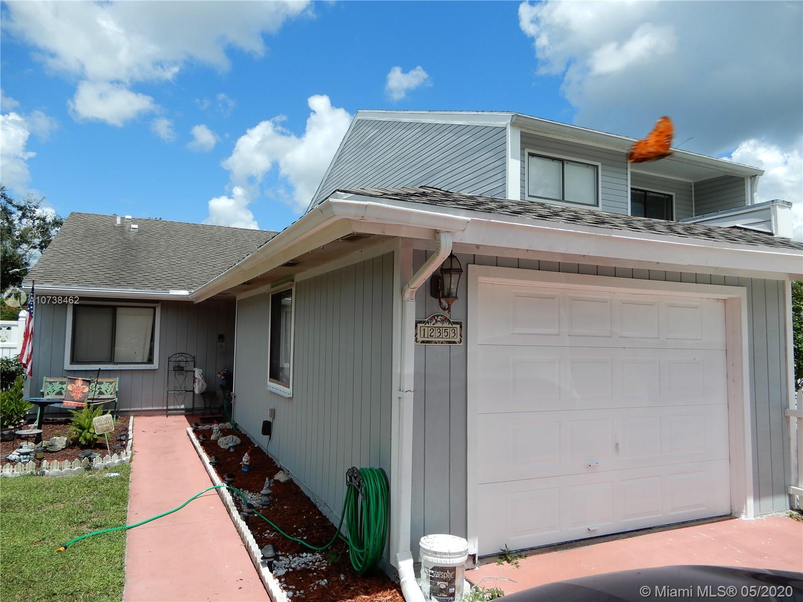 12353  Westhampton Cir #12353 For Sale A10738462, FL