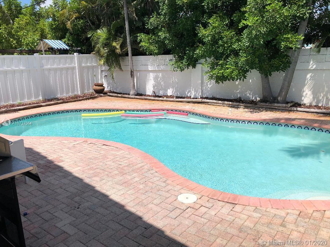 3315 SW 49th St  For Sale A10737564, FL