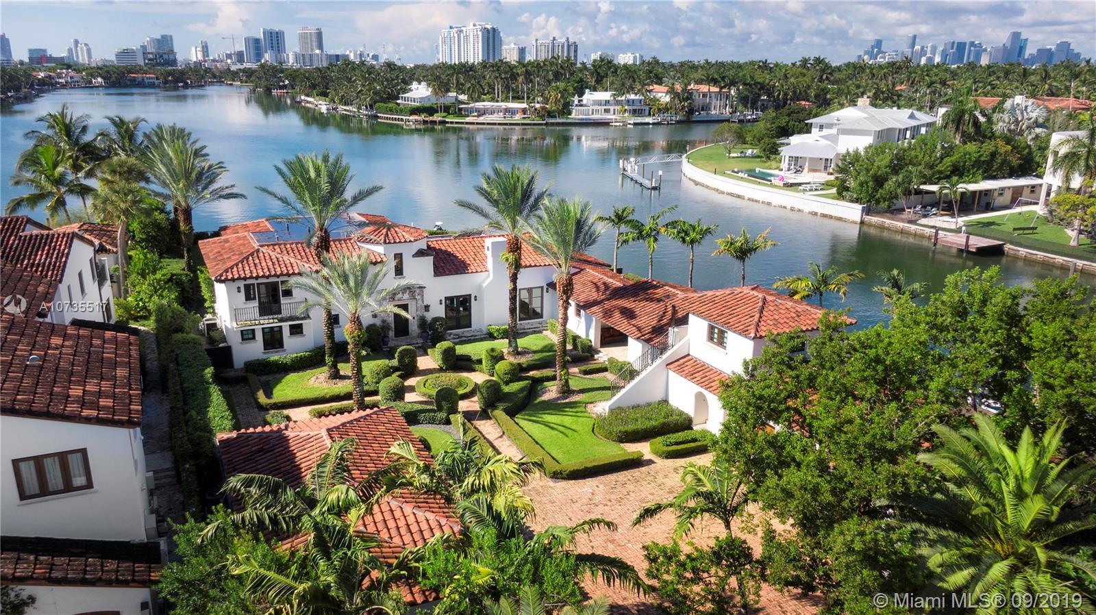 1350 W 29th St  For Sale A10735517, FL