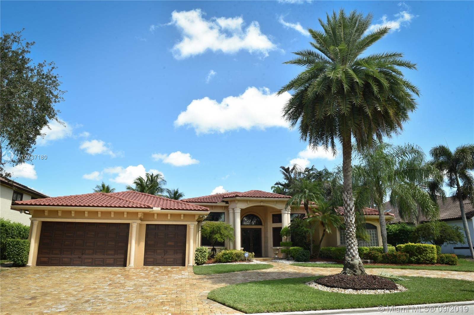 605 W Enclave Cir W, Pembroke Pines, FL 33027