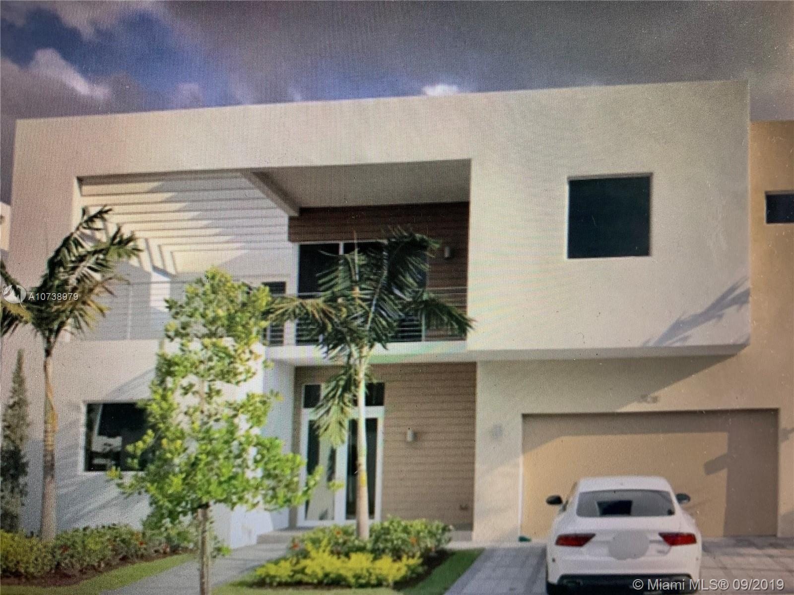 10128 NW 74th Ter  For Sale A10738979, FL