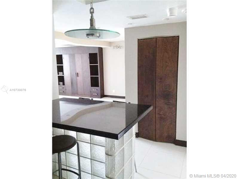 1000  WEST AV #216 For Sale A10739076, FL