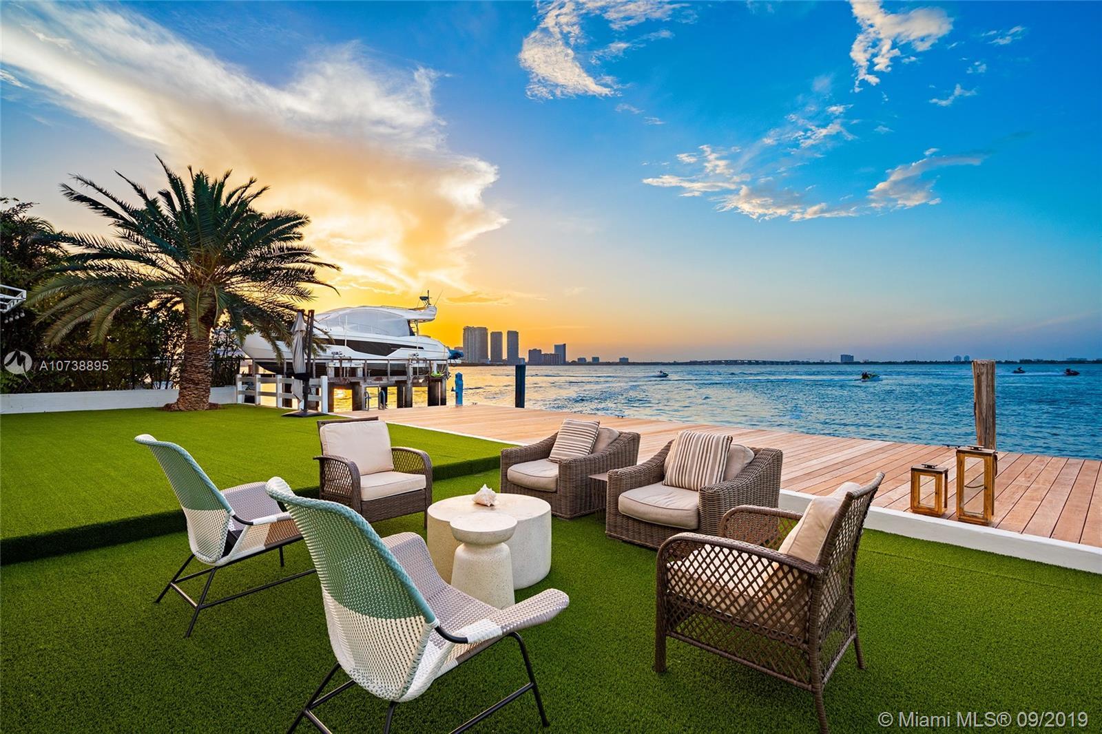 1413 N Venetian Way  For Sale A10738895, FL