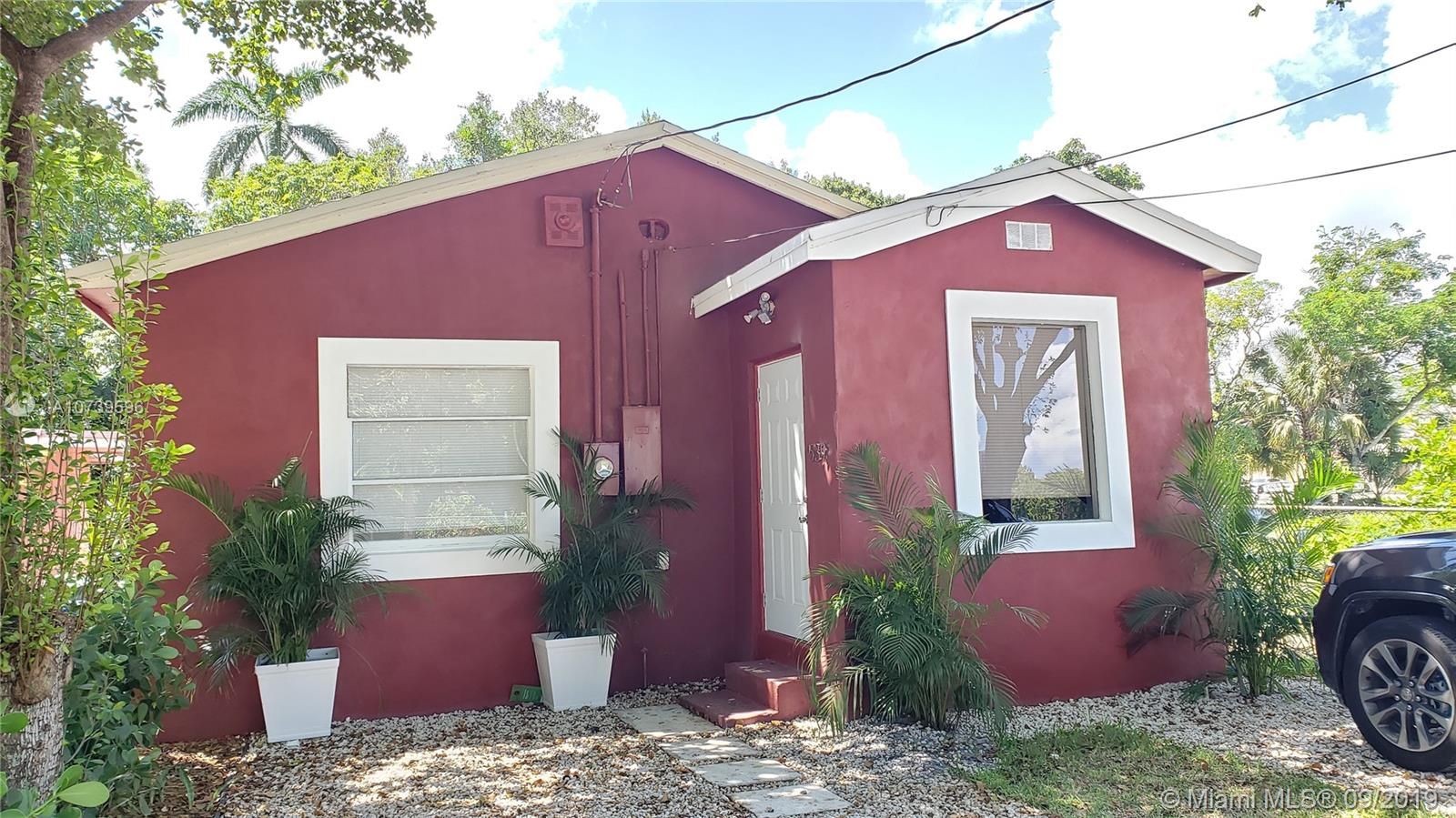 539 NW 12th Ave  For Sale A10739596, FL