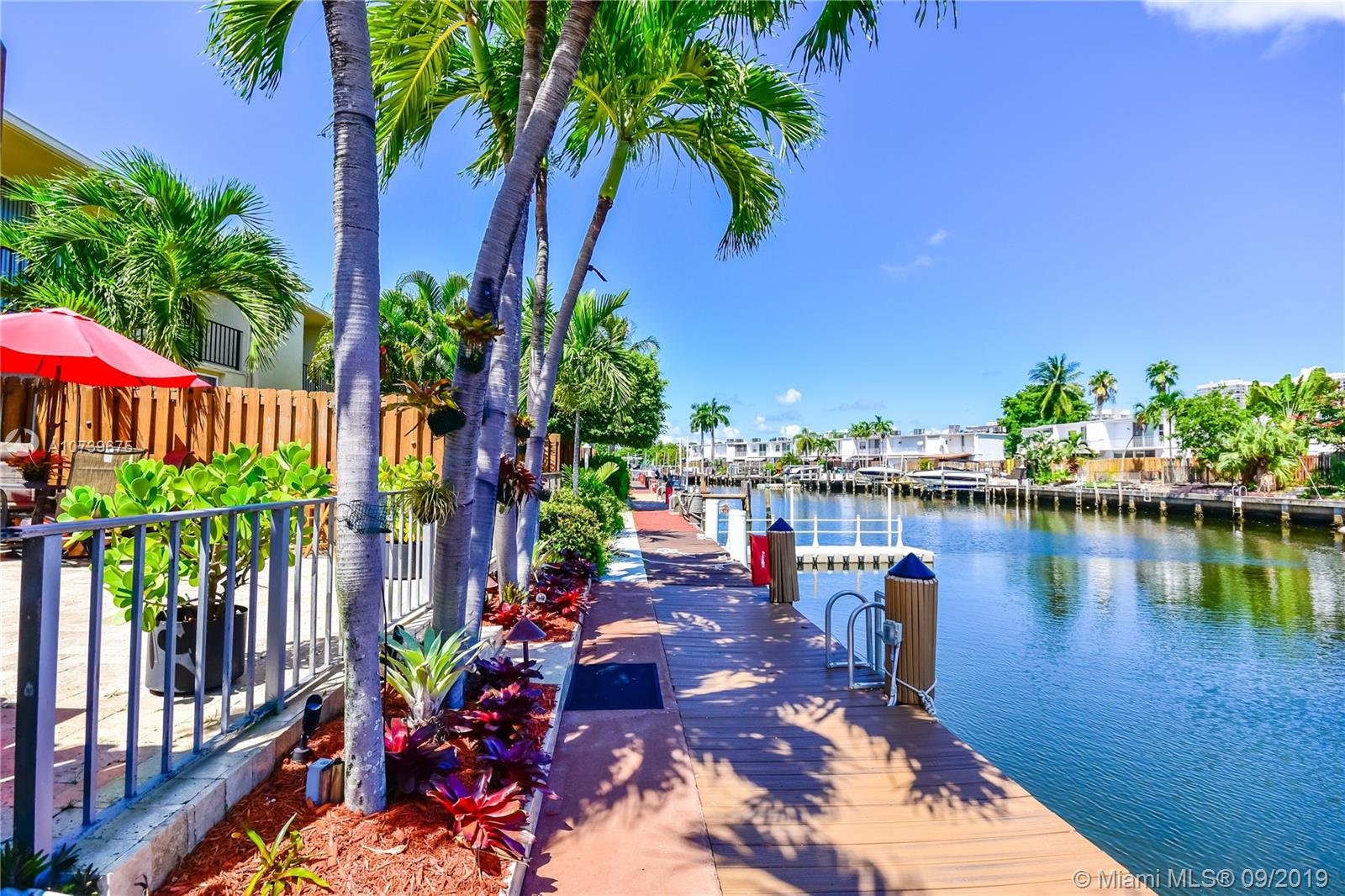922 NE 25th Ave #114 For Sale A10739675, FL