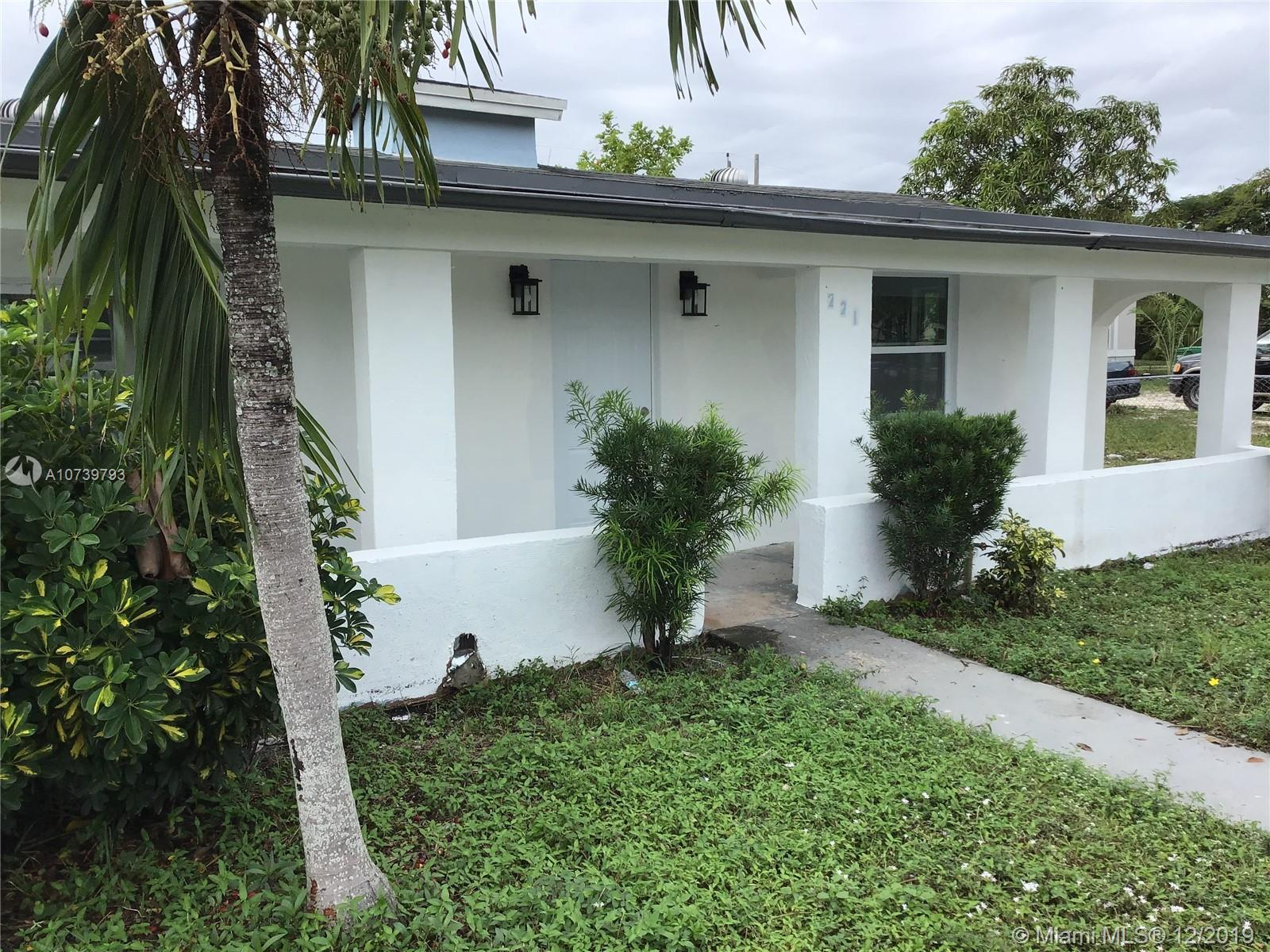 221 NW 28th Way  For Sale A10739793, FL