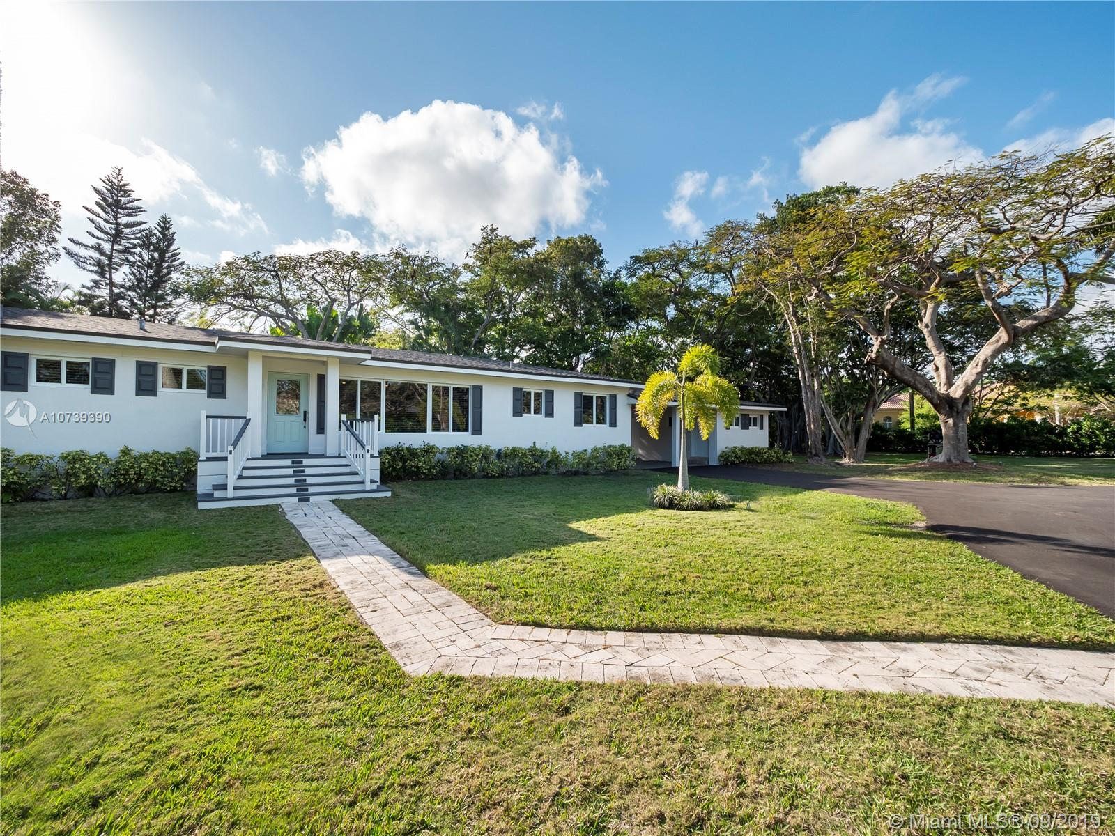 10400 SW 67th Ave  For Sale A10739390, FL