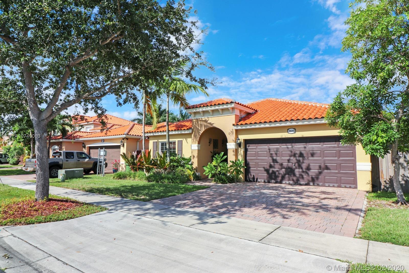 1920 NE 35th Ave  For Sale A10740063, FL